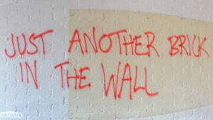 Vägg med graffiti i Mau-Mauhuset i Hangö