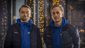 Potrettikuva Tampereen Clasicin salibandypelaajista Nico Salosta ja Sami Johanssonista.