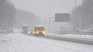 Dåligt väglag på Borgå motorväg