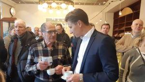 Antti Häkkänen träffar Erkki Viitanen i Tavastehus