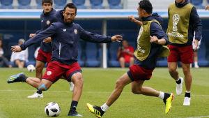 Costa Ricas fotbollslandslag förbereder sig inför VM-matchen mot Brasilien.