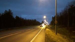 Någon hade ändrat hastighetsskylten från 60 till 80 kilometer i timmen.