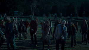 """Bild på zombies i en scen av filmen """"The Dead Don't Die""""."""