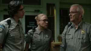 """Bild på skådespelarna Adam Driver, Chloe Sevigny och Bill Murray som medverkar i filmen """"The Dead Don't Die""""."""