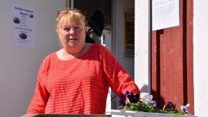 Caféinnehavaren för Hammars Seo - Anne Tuominen - i Borgå