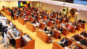 Esbo stadsfullmäktige har möte i fullmäktigesalen