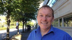 John Ekelund är direktör för medelanskaffning vid Finlands Röda Kors.
