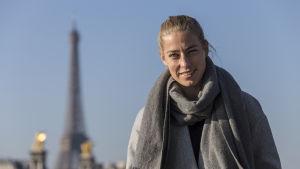 Jalkapalloilija Linda Sällström Pariisissa.