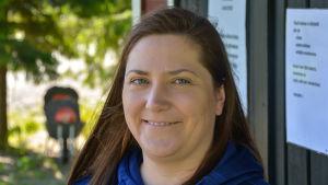 Terhi Kytö, en av arrangörerna för frisbeegolfturneringen
