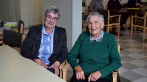 Marita Helenius och Märta Öblom på dagverksamheten i Ekenäs.