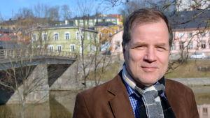 Vd Risto Saarinen vid Borgå vatten.