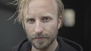 Anders Carlsson, professor vid teaterhögskolan i Helsingfors
