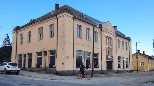 Jakobstads fastighetsbolag har köpt gamla restaurang Ebba.