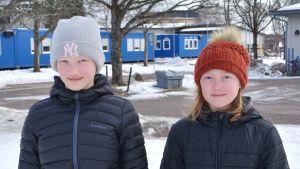 Rastis-ledarna Alma Henricson och Cecilia Nordgren.