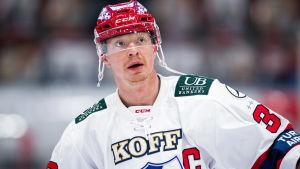 Lennart Petrell på isen.