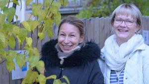 Mikaela Sonck och Ulrica Isaksson efter veckans Fredagssnack.