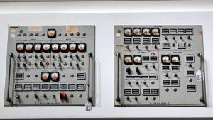 Två kontrollpaneler från Cape Kennedys första tider.