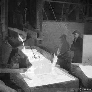 Kuparin valmistusta vuonna 1942.