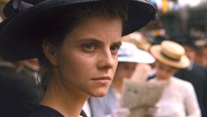Irisz Leiter (Juli Jakab) i närbild.