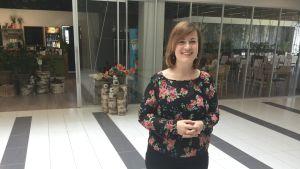 Amerikanskan Hillary Ohlmann jobbar på ett litet företag i Tallinn