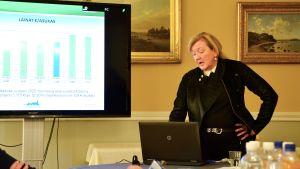 Lovisas ekonomidirektör Kirsi Kettunen.