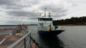 Förbindelsebåten Fiskö