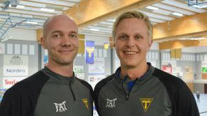 Jonas Hällfors och Jimmy Sved i Lovisa idrottshall