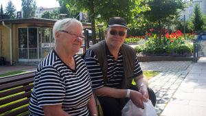 Jyväskyläborna Kyllikki Mäkipunto och Kari Tuomisto.