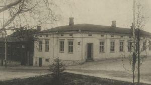 """Minna Canths hem och affärsbyggnad """"Kanttila"""" i Kuopio."""