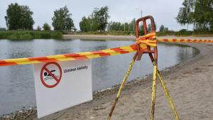 Avspärrad badstrand. Smulterö i Vasa.