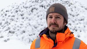 Tomi Tukiainen i vinterlandskap.