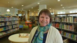 Minna Rinta-Valkama är ansvarig för barn- och ungdomsavdelningen på Vasa stadsbibliotek.