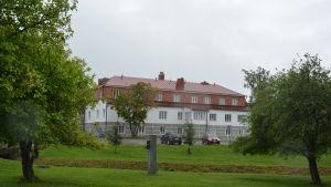 Stabhuset, ett vittrappat stenhus i tegel i Korpo.