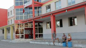 Vallokal i skola i Tirana.