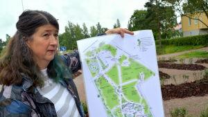 Parkplanerar visar upp sin plan