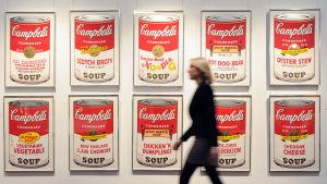 Andy Warhols Campell's Soup-tavlor på Sothebys.