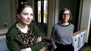 Anna Stefane och Ksenia Kolesnikova står bredvid varandra.