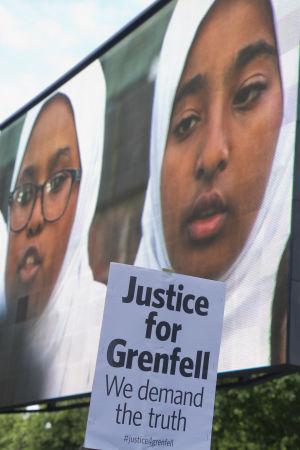 Krav på sanningen framfördes fortfarande två år efter den tragiska branden i Grenfell Tower i juni 2017.