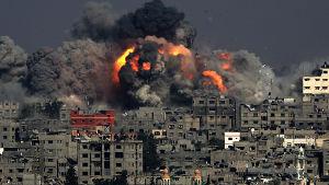 Israeliska raketanfall mot Gaza