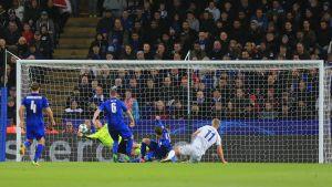 Kasper Schmeichel räddade Leicester.