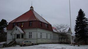 Jordbruksskolan i Västankvarn i Ingå ritad av arkitekten Hjalmar Åberg, invigd år 1911.