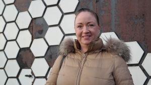 Porträtt på lundoföräldern Janita Suomi