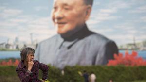 Porträtt av Kinas förre ledare Deng Xiaoping i Shenzhen.