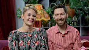 Anna Kekki ja Jonas Sundström Strömsön huvilassa.