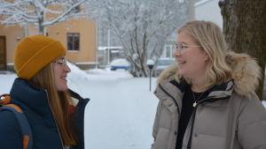 Profilbild på Linn Engström och Lisa Valkonen.