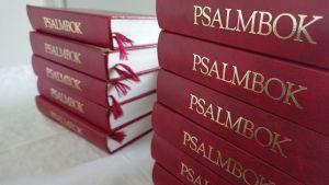 Psalmböcker.