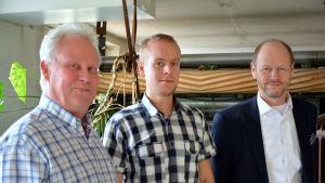 Jouko Luode (Cursor), Markku Lindqvist och Olli Nuutila (Pyttis kommundirektör)