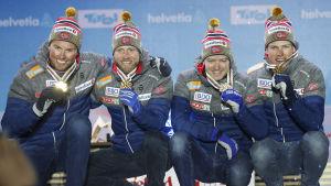Emil Iversen, Martin Johnsrud Sundby, Sjur Røthe, Johannes Høsflot Klæbo med VM-guld 2019.