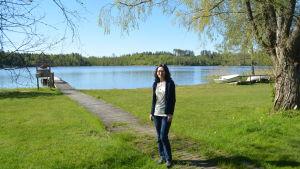 Marknadsföringschef Leena Ellonen vid blivande Raasepori Resort.