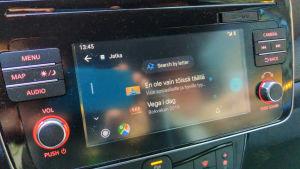 Yle Areena näkyy auton viihdejärjestelmässä Android Auton kautta